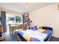 ***HOMELY, SPACIOUS STUDIO WITHIN VAUXHALL available to rent - St. Stephen's Terrace***