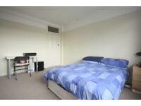 3 bedroom flat in Kingston Road, Kingston upon Thames, KT1