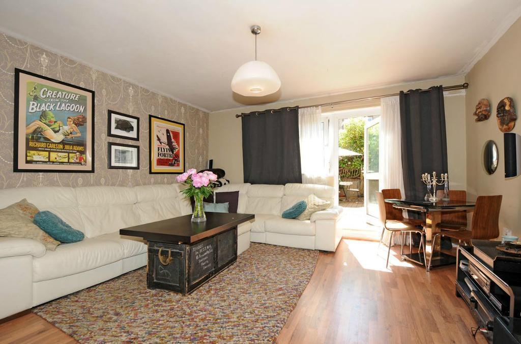 Stunning 3 Bed Duplex near Euston - Available August