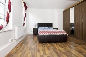 LARGE 3 BEDROOM FLAT OLD STREET