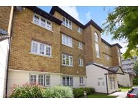 A lovely two bedroom two bathroom top floor apartment to rent on Selhurst Close