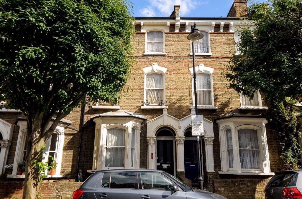 Large one bedroom garden apartment - Crossley Street