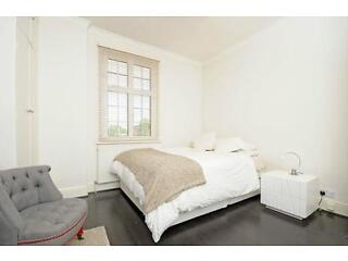Peterborough Villas - A stunning two bedroom flat in this desirable area of Fulham Fulham Picture 3