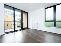 This stunning brand new apartment is located moments from Balham Station and High Street-Penrose CT