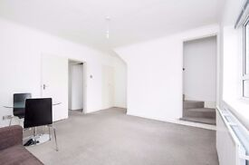 A refurbished split level one double bedroom flat to rent, Union Street