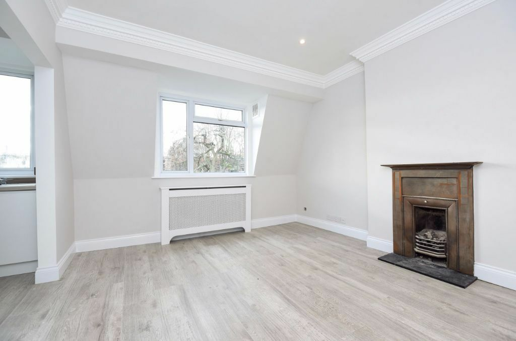 CHARMING, NEWLY REFURBISHED TWO BEDROOM FLAT TO RENT IN SOUTH HAMPSTEAD