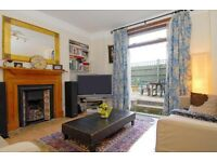 A gorgeous two bedroom ground floor flat with a large garden, Peterborough Villas, SW6