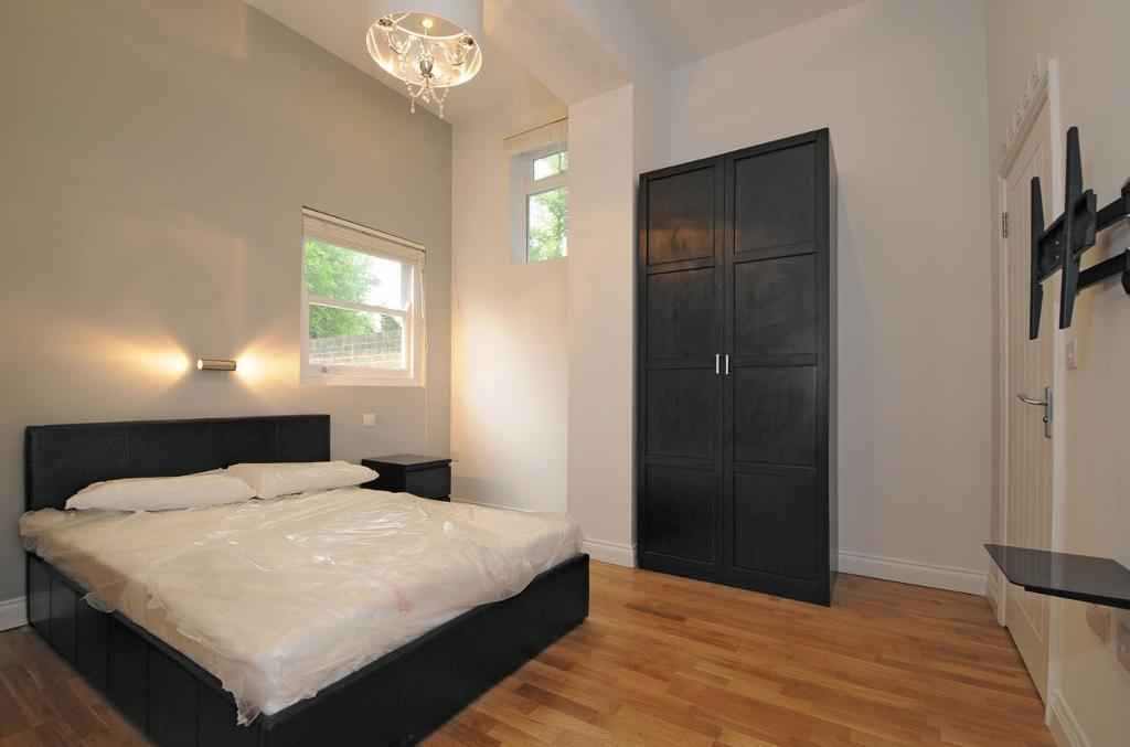 MODERN STUDIO IN SOUTH HAMPSTEAD AVAILABLE NOW