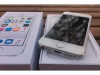 iPhone 5S White UNLOCKED with original accesories and box.