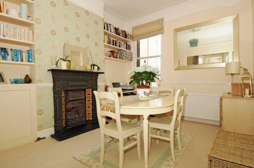 Huge 1 bedroom flat in prime West Hampstead