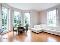 A LUXURY 3 BEDROOM 2 BATHROOM APARTMENT WITH TENNIS COURT, GYM, PARKING, GARDENS & CLOSE TO TRAINS