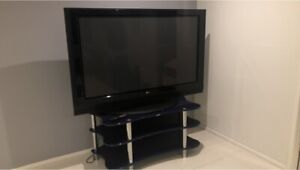 LG PLasma 60 inch (155 cm) with table