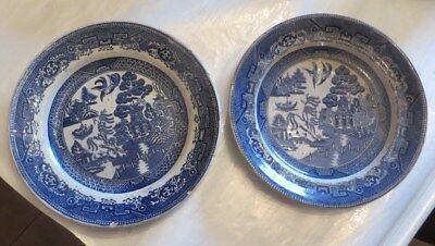 2 assiettes de « China » DÉCORS CHINE XIXe  1 plate et 1 creuse – petits éclats