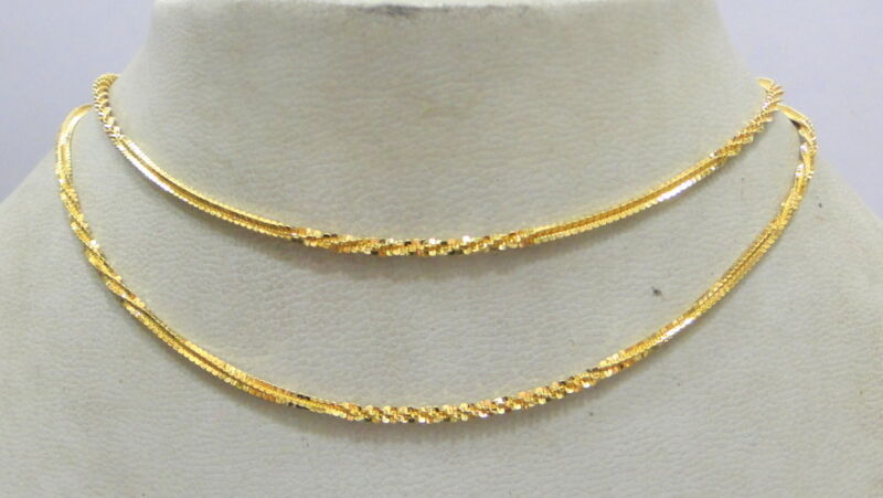 Vintage solid 20K Gold flexible Chain necklace from Rajasthan India