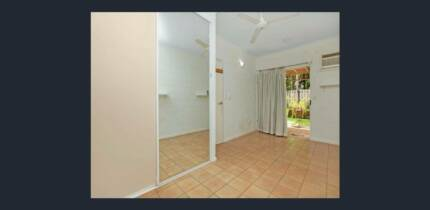 Amazing Unit Fairway Drive , @ minutes from palmo cbd