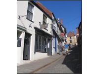 Flat to rent. Super location on Steep Hill, Lincoln. Including most bills: £625 per month.
