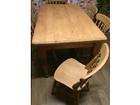 Beautiful solid pine farmhouse table 152cm L with 6 fantastic farmhouse chairs, excellent condition
