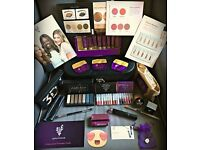Love make up?!? Stuck for gift ideas??