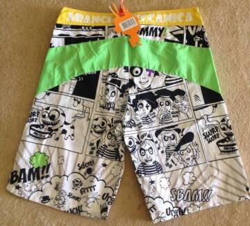 Arancia Meccanica Comical Mens Boardshorts Size Small BNWT