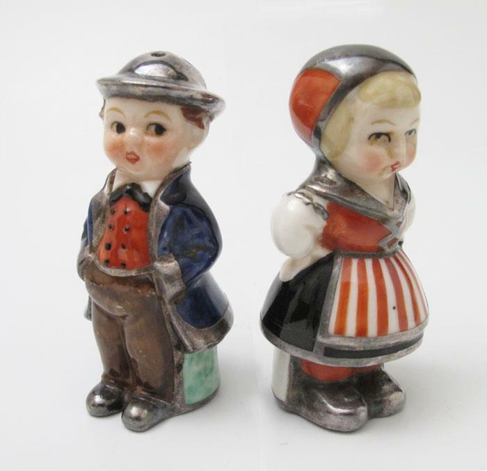 VINTAGE HUMMEL GOEBEL BOY & GIRL FIGURAL SALT & PEPPER SHAKERS BEE MARK S&P
