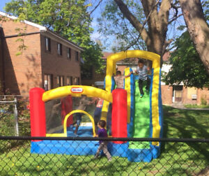 $65 WEEKDAYS $75 WEEKENDS BOUNCY CASTLE WITH SLIDE RENTAL