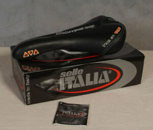 Selle Italia Max Flite Trans Am Saddle with Titanium rails.
