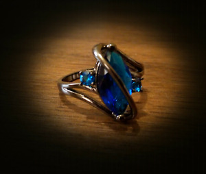 Size 9 black gold plated saffire ring