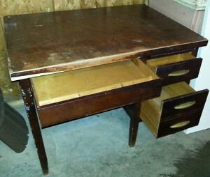 Vintage SOLID WOOD SMALL DESK IDEAL 4 STUDENT
