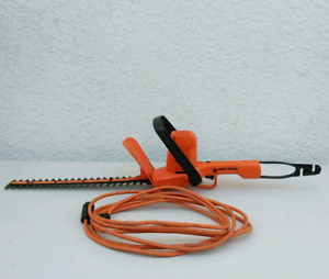 """Black and Decker 16"""" Electric Hedge Trimmer"""