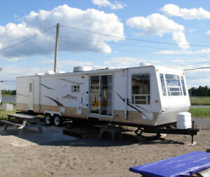 Travel trailer sleep 4/6. Water Front/Beresford Beach