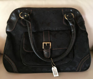 Beautiful Look-a-Like Coach Handbag
