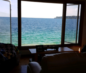 Last minute deal cottage for rent Lions head. On the bay