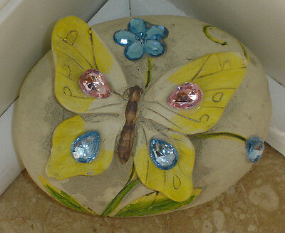 Разное Faux Stone With Butterfly &