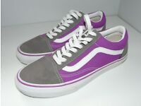 VANS UNISEX AUTHENTIC SKATE SHOES TB9C SIZE 7 UK (8 USA) UNWORN