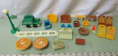 Fisher Price Little People 938 Play Family Sesame Street Brownstone Pick 1 part