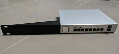 "Server Rack Mount Ubiquiti UniFi Switch 8 150W  (US-8-150W) - Black 19"" 1U"