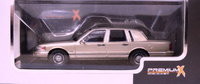Lincoln Town Car Baujahr 1996 Farbe champagner Maßstab 1:43 von PremiumX