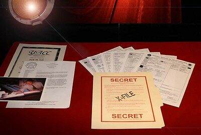 X-FILES DAVID DUCHOVNY Mulder RARE Copy Prop FBI File, GREAT READ! FREE U S Ship