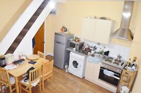 LOVELY STUDIO FLAT NEWLY REFURBISHED, SEPARATED KITCHEN 4 MINUTES FROM TUBE STATION WITH FREE WI-FI