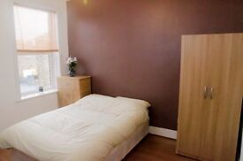 3 Spacious Clean Double Bedrooms available from £120 pw