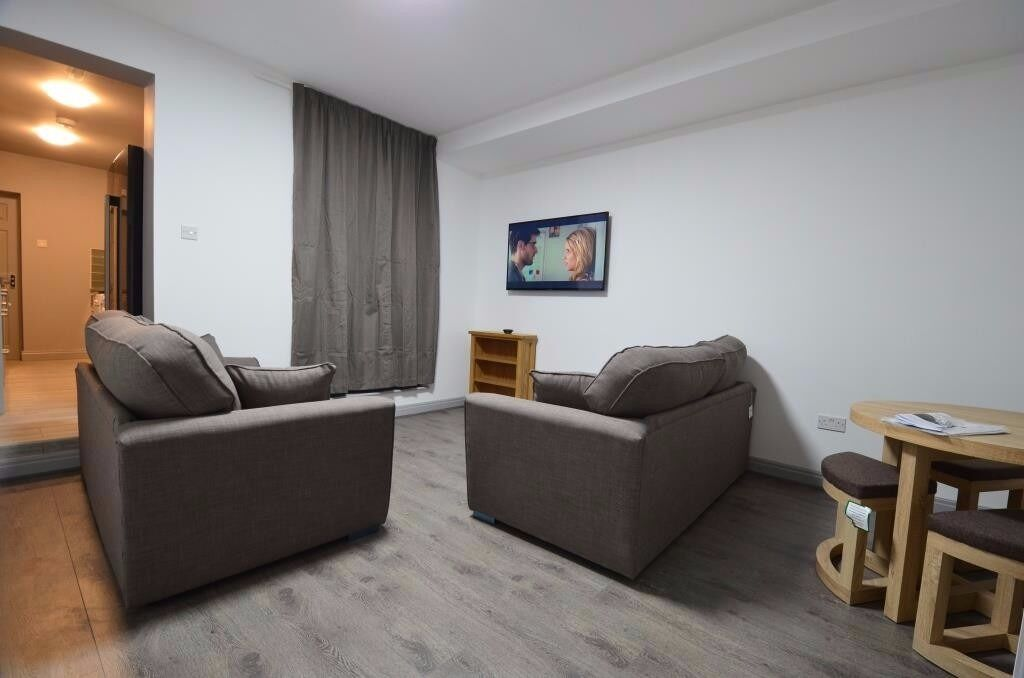 Superior 6 Double Bedroom, 2 Bathrooms Student House, Teignmouth Road, Selly Oak 2017 - 2018