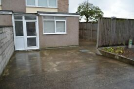 4 bedroom home - walking distance to Cabot Circus. Perfect for sharers, large driveway.