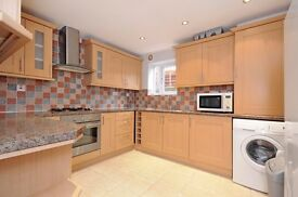 LONG LET - W5 - Ground floor, 3 Beds, 2 Baths - Newly Refurbished - Private Patio - £2,250 PCM
