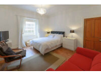 Old Town Edinburgh University, Students 2 bedrooms, Wi-Fi.Smart TV. VIEWINGS from 28th August.