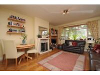 *** SHORT-LET - A bright and spacious two double bedroom flat with balcony, Rosebery Gardens, N8 ***