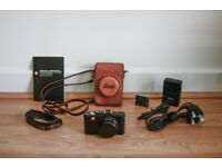 Leica D Lux 5 compact camera with case and extra battery