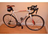 Cannondale CAAD8 105 Road Bike 56cm in almost New Cond