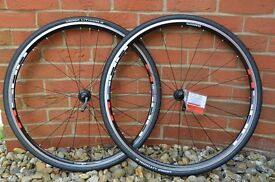 "SHIMANO WH-R501 28""/700 C road wheel set + Michelin Lithion2 tyres 25c"