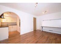A well presented studio flat to rent opposite Wimbledon Common. Selhurst Close SW19