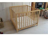 BabyDan Baby Playpen, Beech, good condition, play mat included.